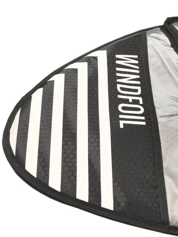 Windfoil protection bag for assembled foil tips renforcement
