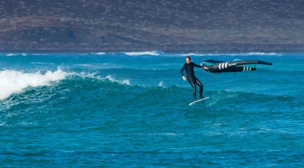 Surf avec une aile de Wing en Foil avec Bruno Sroka