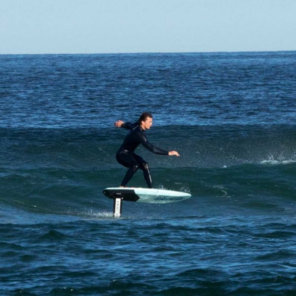 "Gabriel Bachelet in la Palue with the surf foil Pack ""Fast Flyer"""